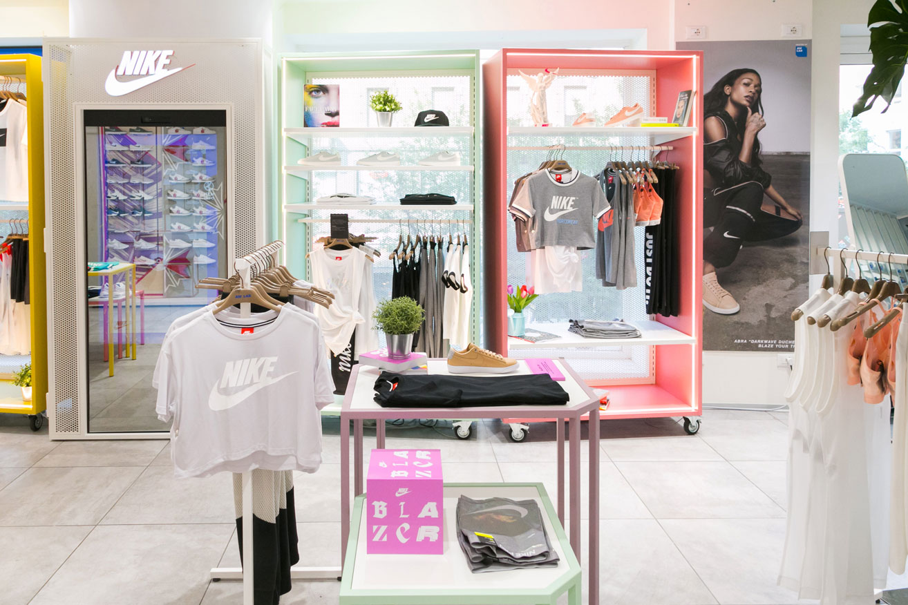 AWLAB WOMENS REFURBISH | RETAIL DESIGN MILAN