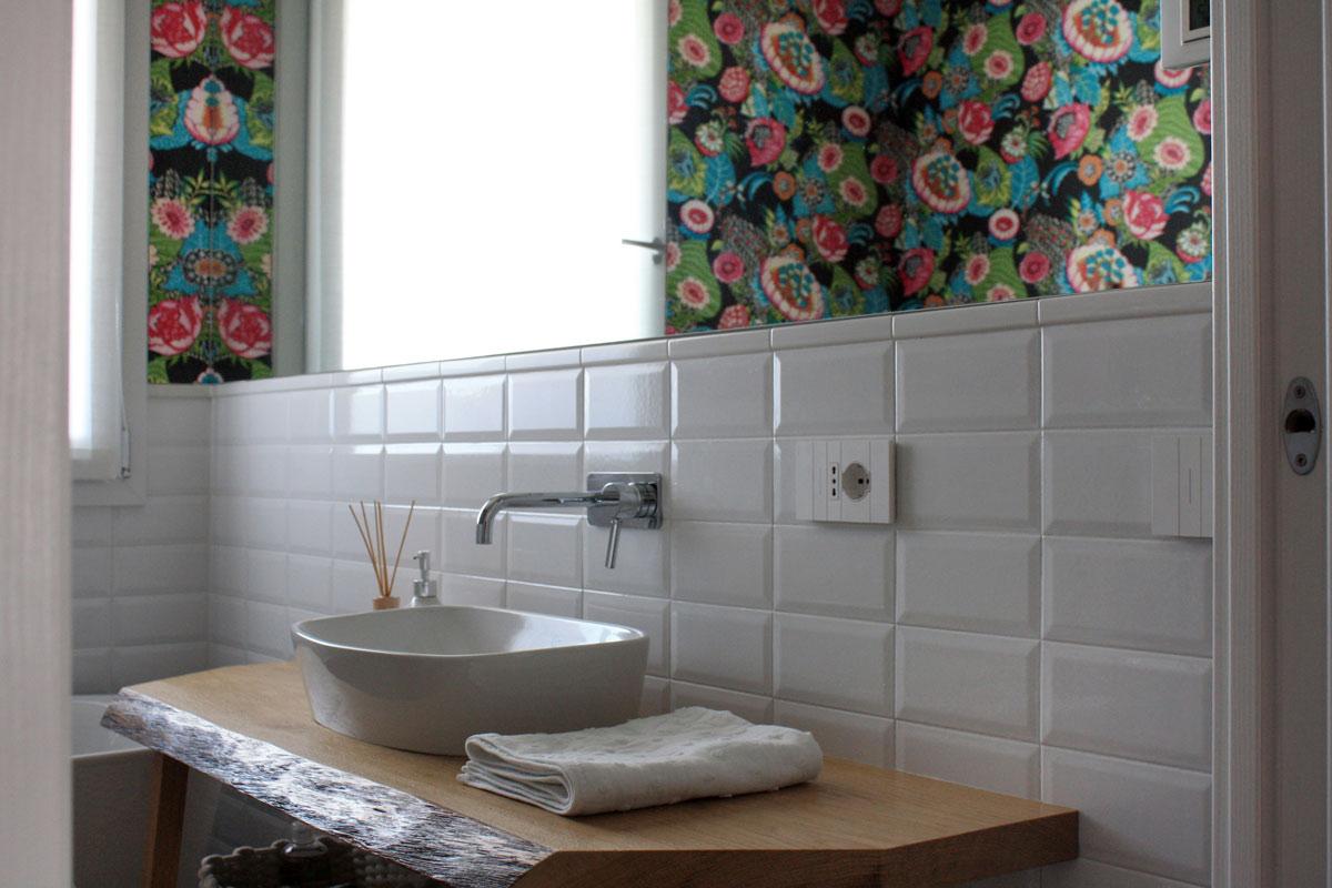 Vanda designers | Residenziale | pink house | stanza bagno colorato piano terra
