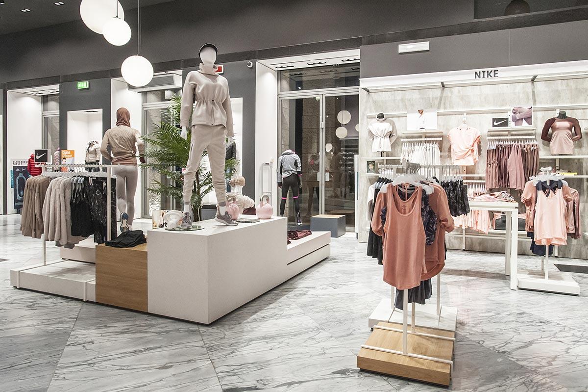 Cisalfa Roma - Store Design - Ridefinizione di tutta l'area femminile