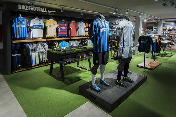 NIKE-FOOTBALL-RETAIL-DESIGN