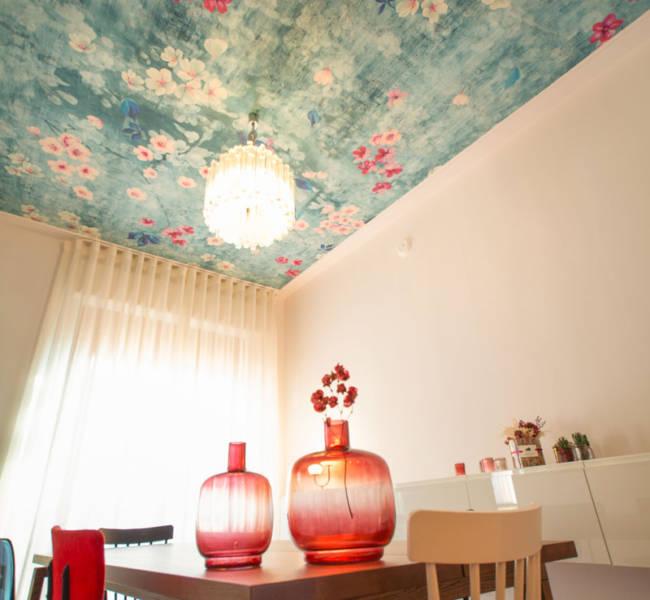 Vanda designers | Residenziale | Casa Donata | Sala da pranzo | Il soffitto con la carta da parati